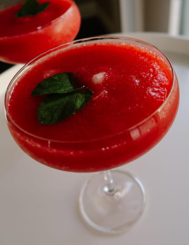 Skinny Frozen Strawberry Margarita Recipe